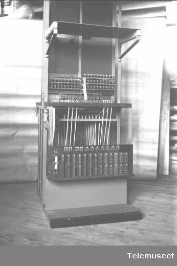 Telefonsentral, Posti-Publici seksjon for Asti. 12.4.1915. Elektrisk Bureau.