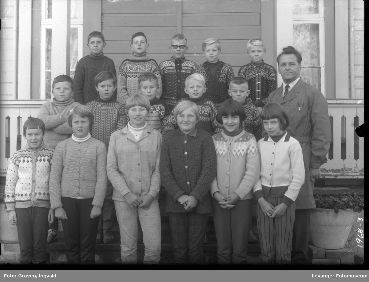 Skolebilde fra folkeskole. Stiklestad skole.