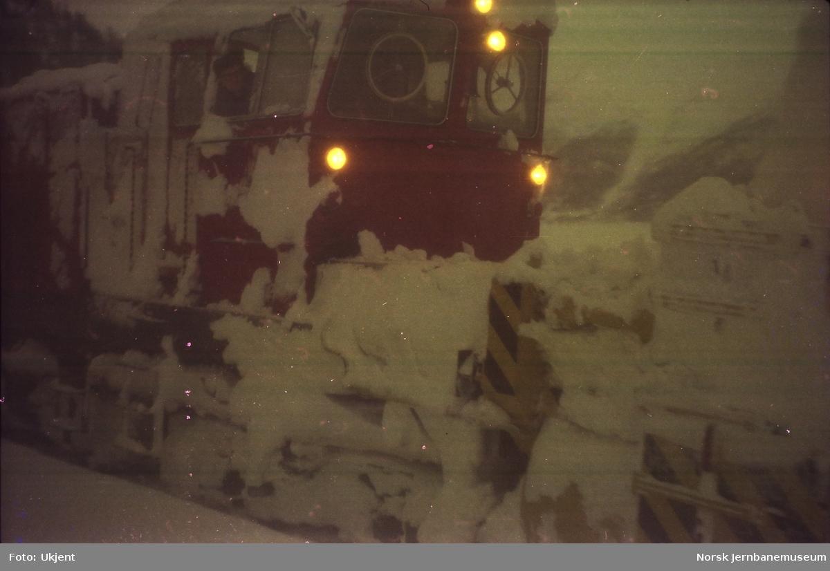 Roterende snøplog DiR3 nr. 511 på Nordlandsbanen