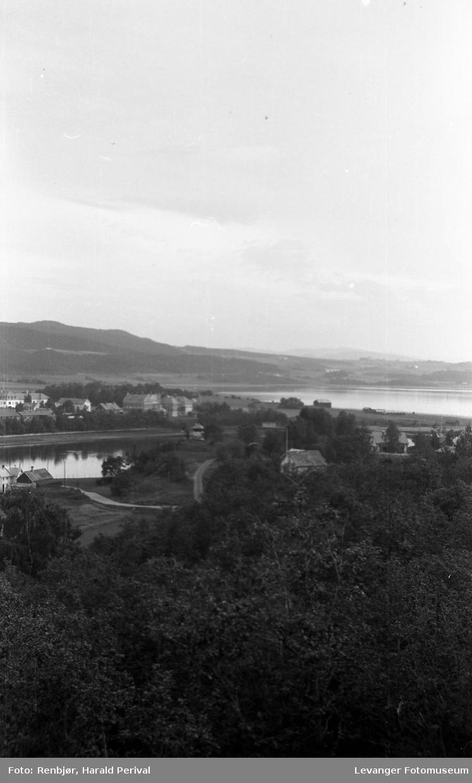 Utsikt over Levangersundet, Moan og Nesset.