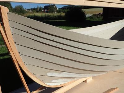 Pappmodell av trebåten Vaterland 1, bygd av båtbygger Lars Stålegård.