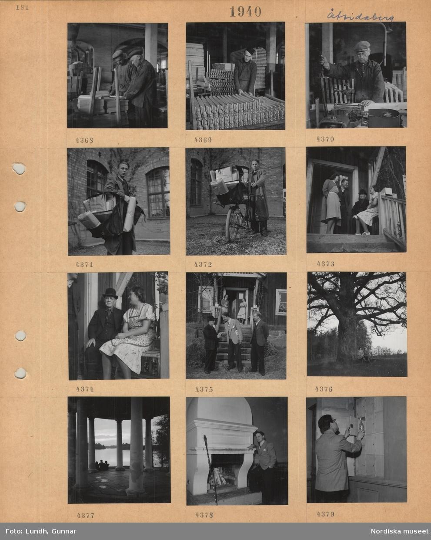 Motiv: Åtvidaberg, fabriksinteriör, män hanterar träprodukter, ung man med postväska full med paket, ung man med paketcykel lastad med postväska, två kvinnor och två män samtalar på en förstukvist, man och kvinna sitter på en bänk på en förstukvist, två kvinnor står på och tre män står framför trappan till ett bostadshus, två personer sitter på en bänk under en stor ek, ekotempel vid en sjö, tre sittande personer, en man står vid en stor öppen eldstad, en man ställer in en spritflaska(?) i ett litet väggskåp.