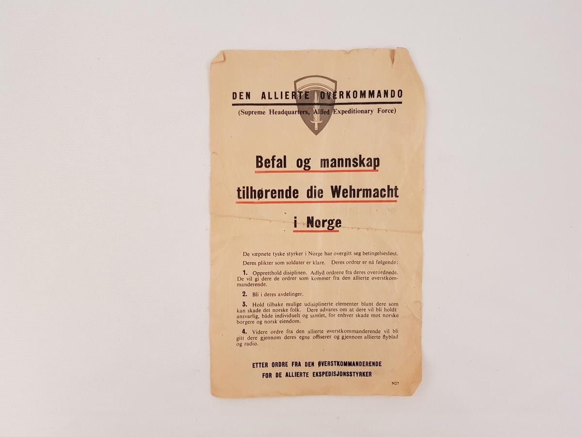 Oppropet er trykt på tynt papir. På den ene siden på norsk og på den andre siden på tysk.