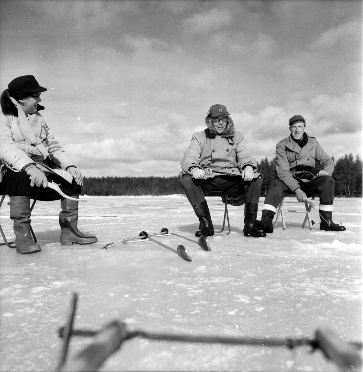 Hälsen, Fiske på is, S.Weit, Johan Svärd, P.W. Häger, 28 Mars 1961