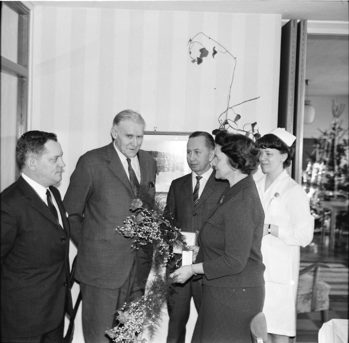 Arbrå, Stenbacka, K. Wikström tar farväl, Th. Gullbrandtsson hälsas välkommen, Januari 1969