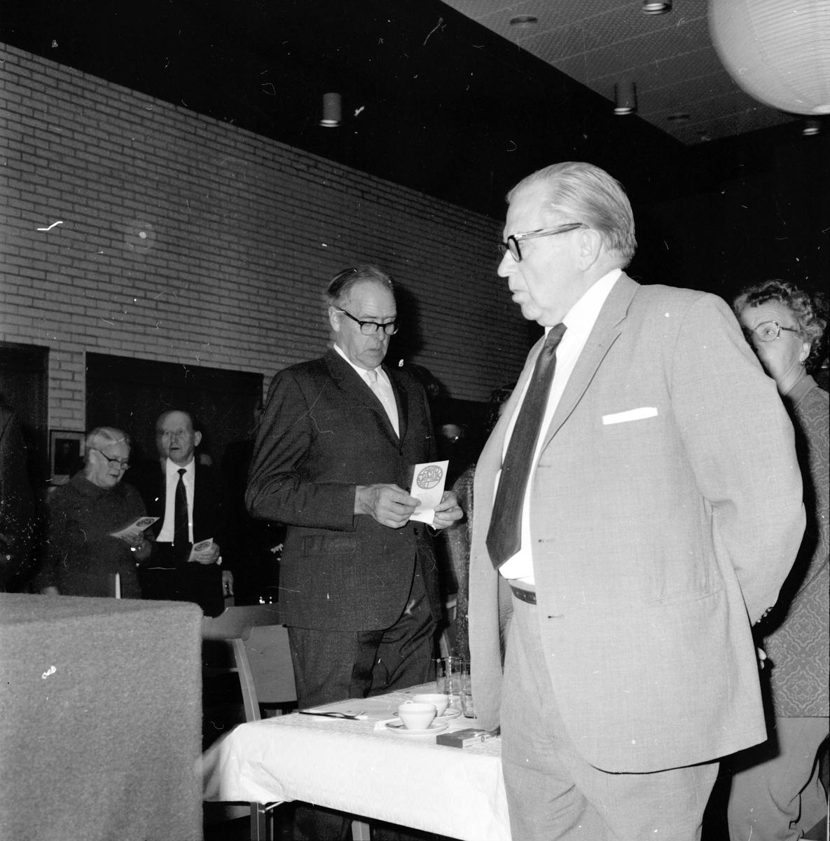 Gunnar Sträng i Arbrå, 1971