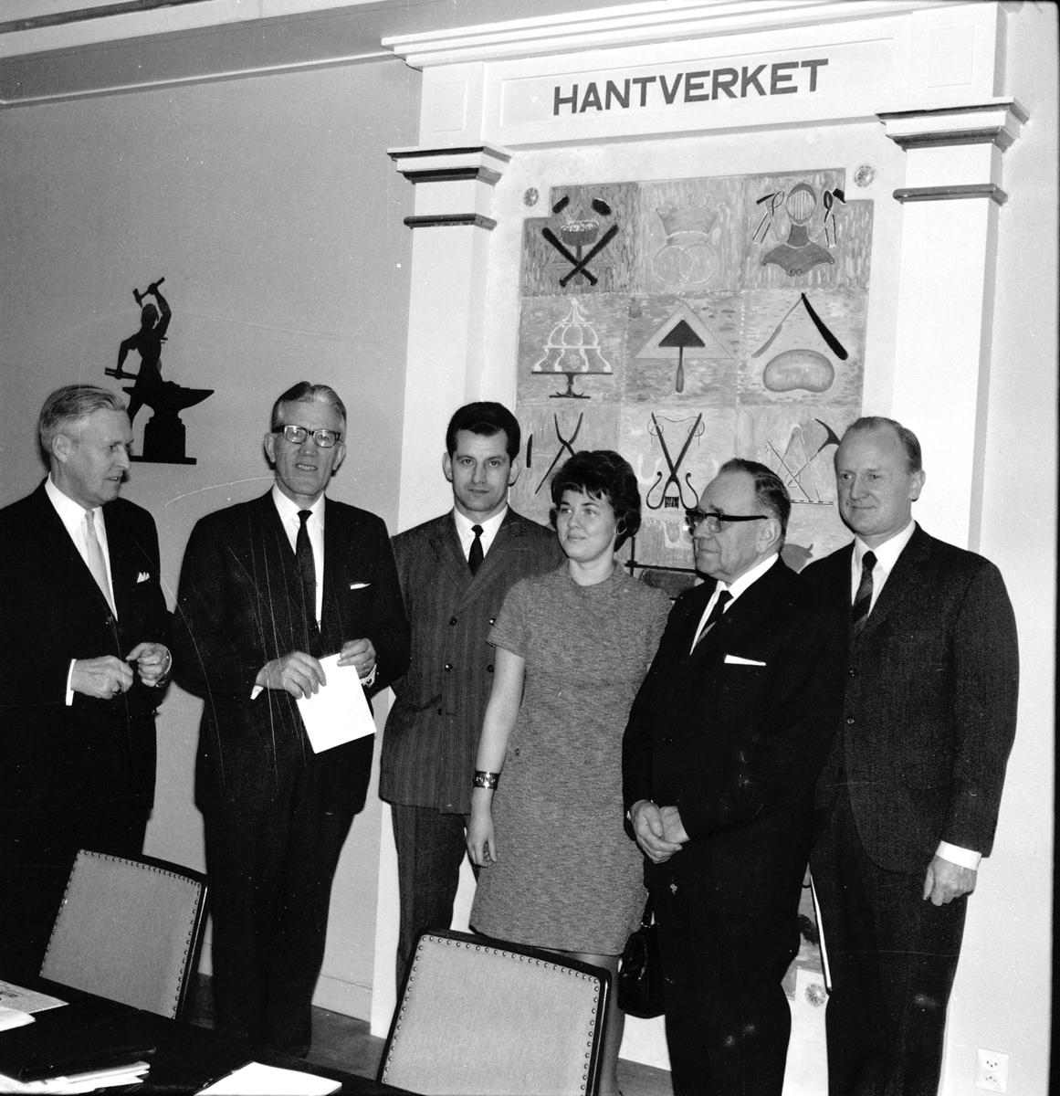 Bollnäs, Olle Westberg m.fl. på hantv.lokalen April 1969