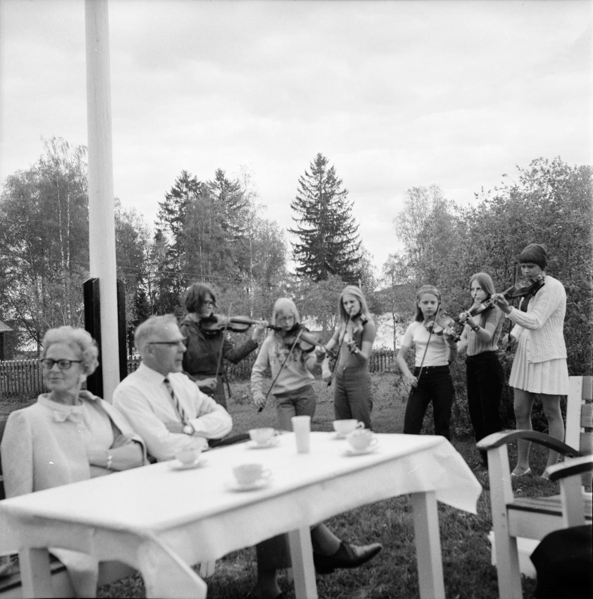 Galven, Alfta Spelmanslag på besök i Spelmansgården, Juni 1969