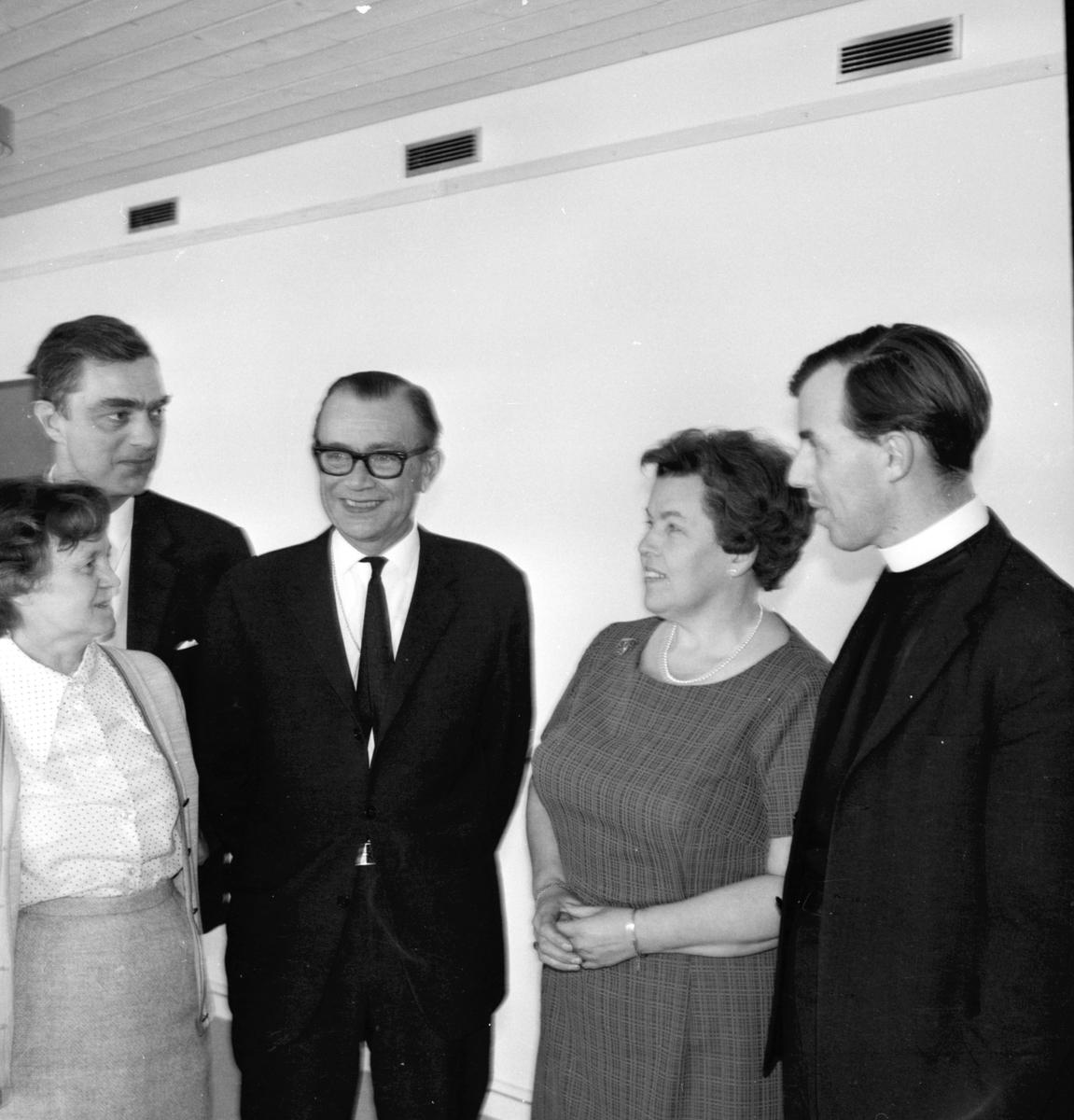 Stiftsgården, Ärkestiftets PR-man vid stiftsgården, Stiftsrådet ärkebiskopen, April 1969