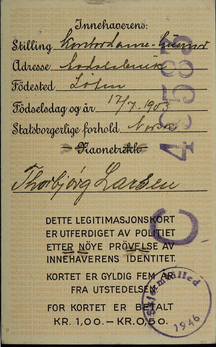 Grenseboerpass, identitetskort, legitimasjonskort, kontordame/husmor Thorbjørg Larsen, Sandvold Løten.