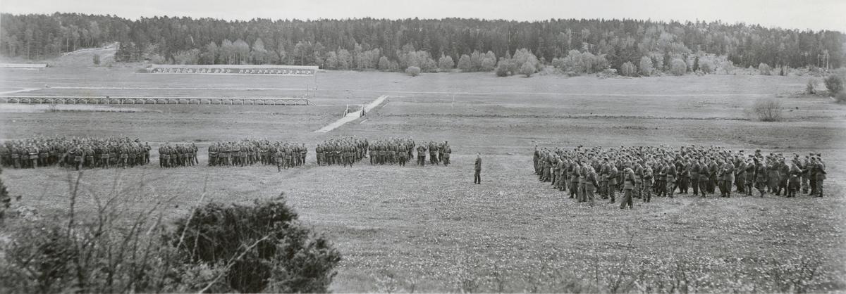 Uppställning med I. bataljon vid Södermanlands regemente I 10.