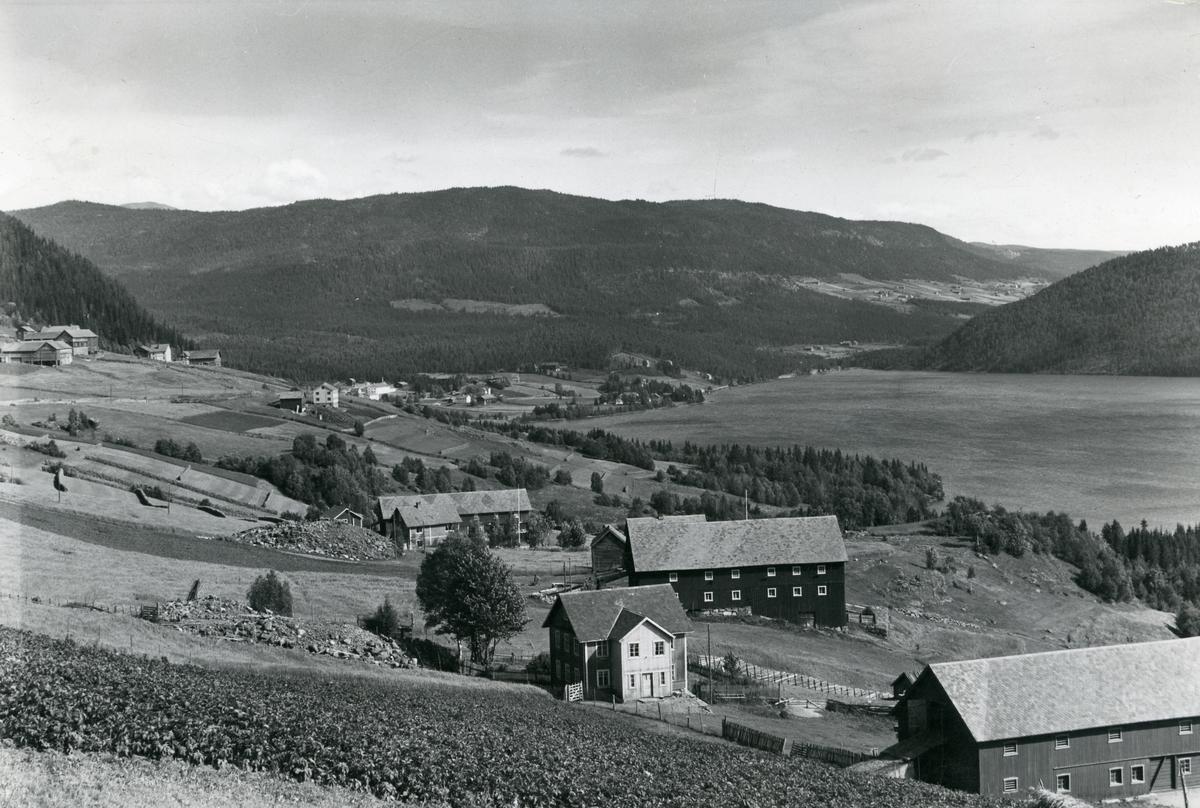 Heggenes med Heggefjorden, Øystre Slidre.