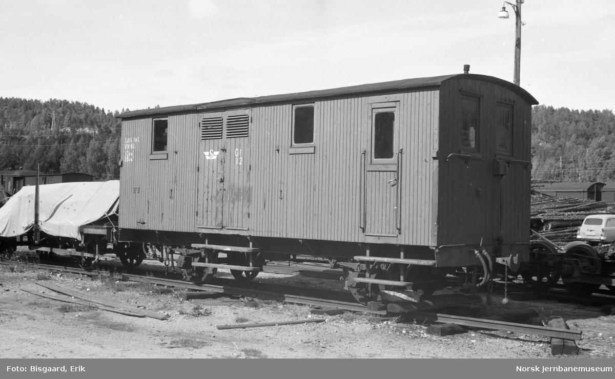 Lukket godsvogn litra Gf nr. 12 fra Sulitjelmabanen på Grovane