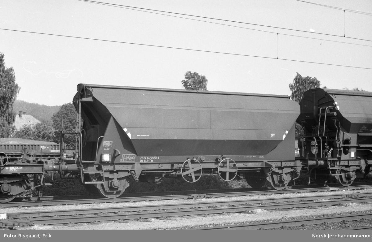 Bunntømmingsvogn litra Tds nr. 573 0001 på Porsgrunn stasjon