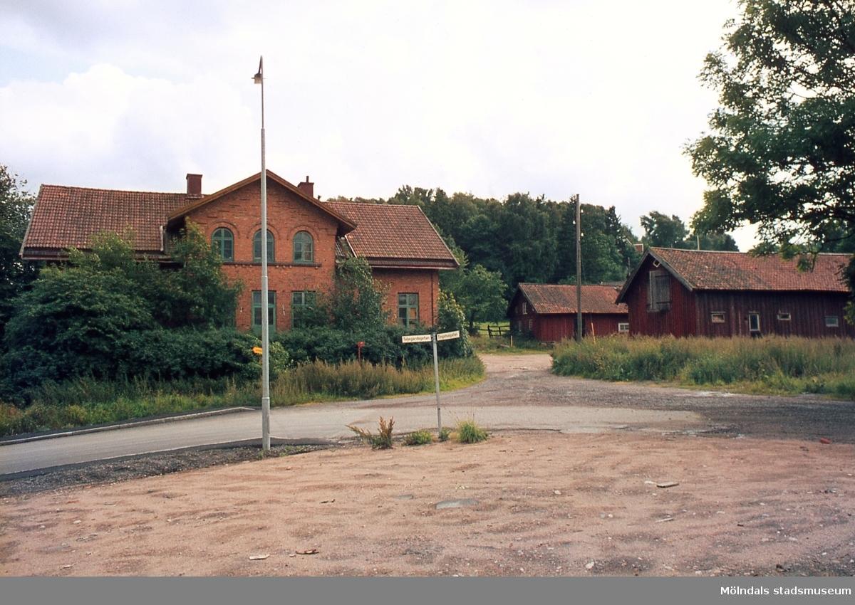 Bebyggelse på Kärra gästgivaregård i Kärra, Mölndal, år 1967. Kä 1:30.
