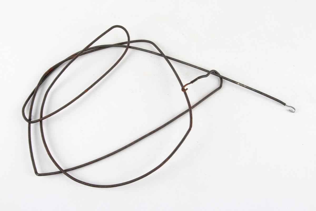 Gardinoppheng av spiral med en krok i hver ende