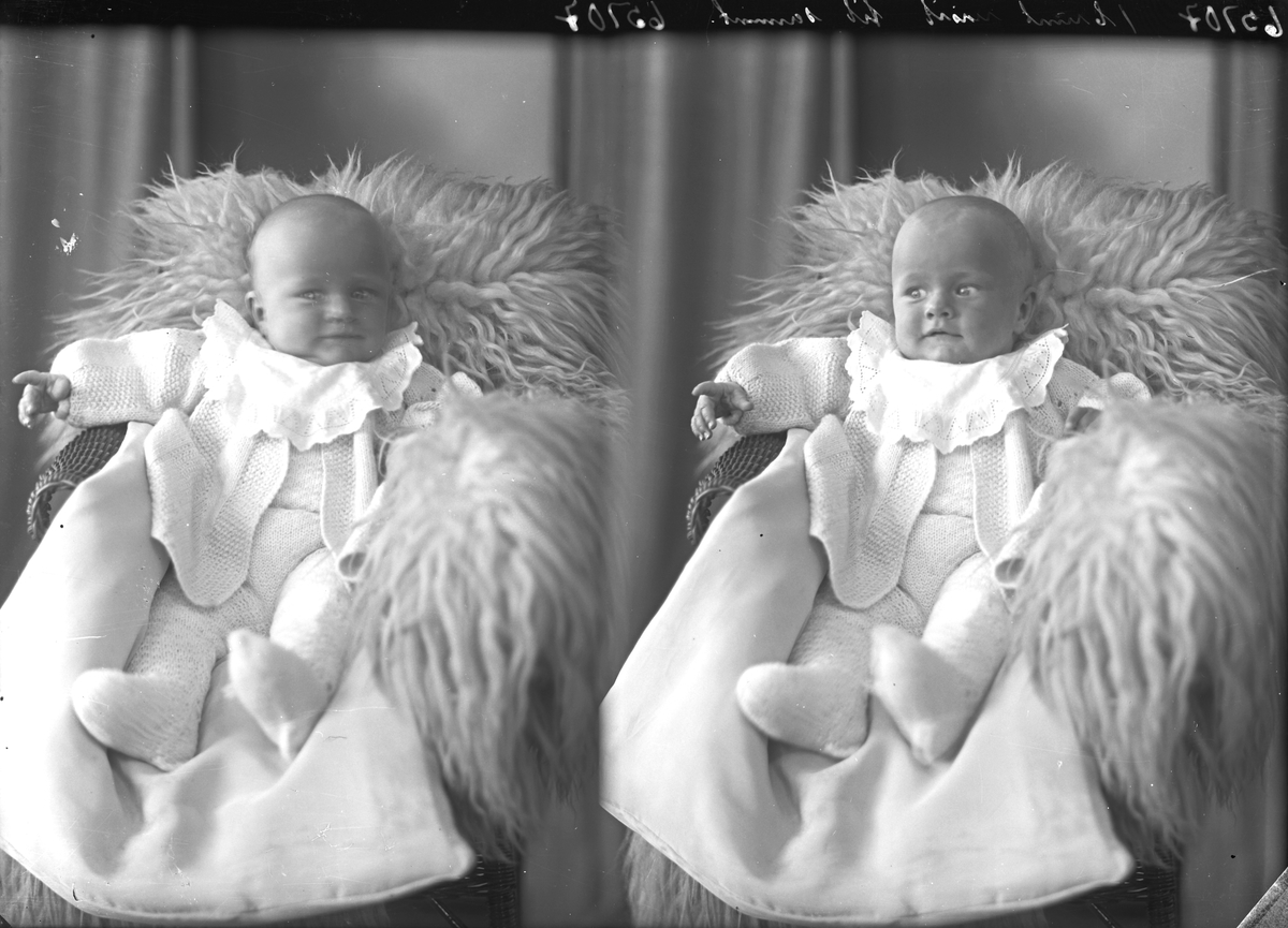 Portrett. Dåpsbarn i dåpskjole. Bestilt av Fru Ellen Mæland. Kaigt. 6b