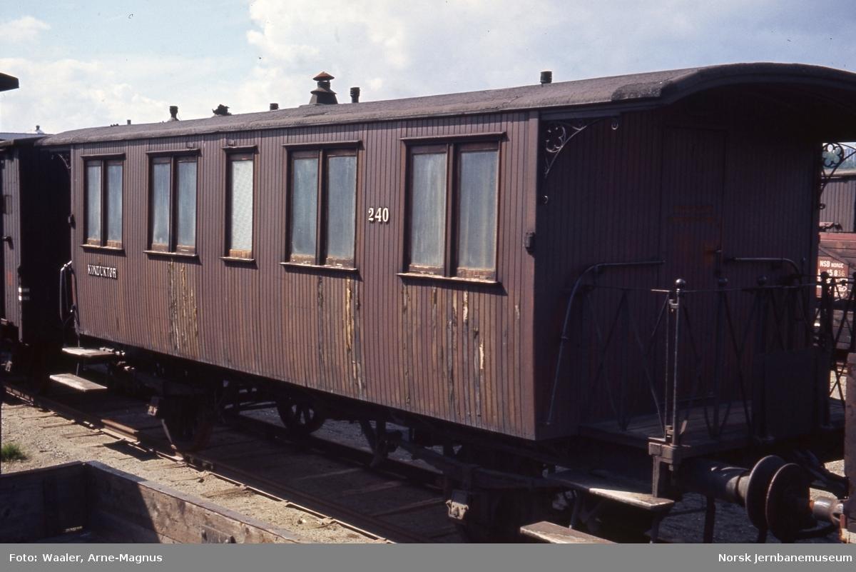 Personvogn litra BF3b nr. 240, opprinnelig Valdresbanens nr. 102