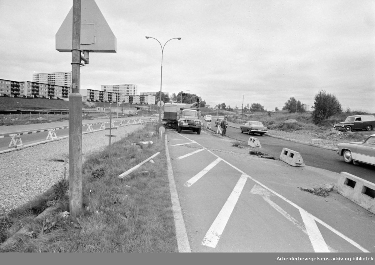 Trondhjemsveien utvides. September 1968