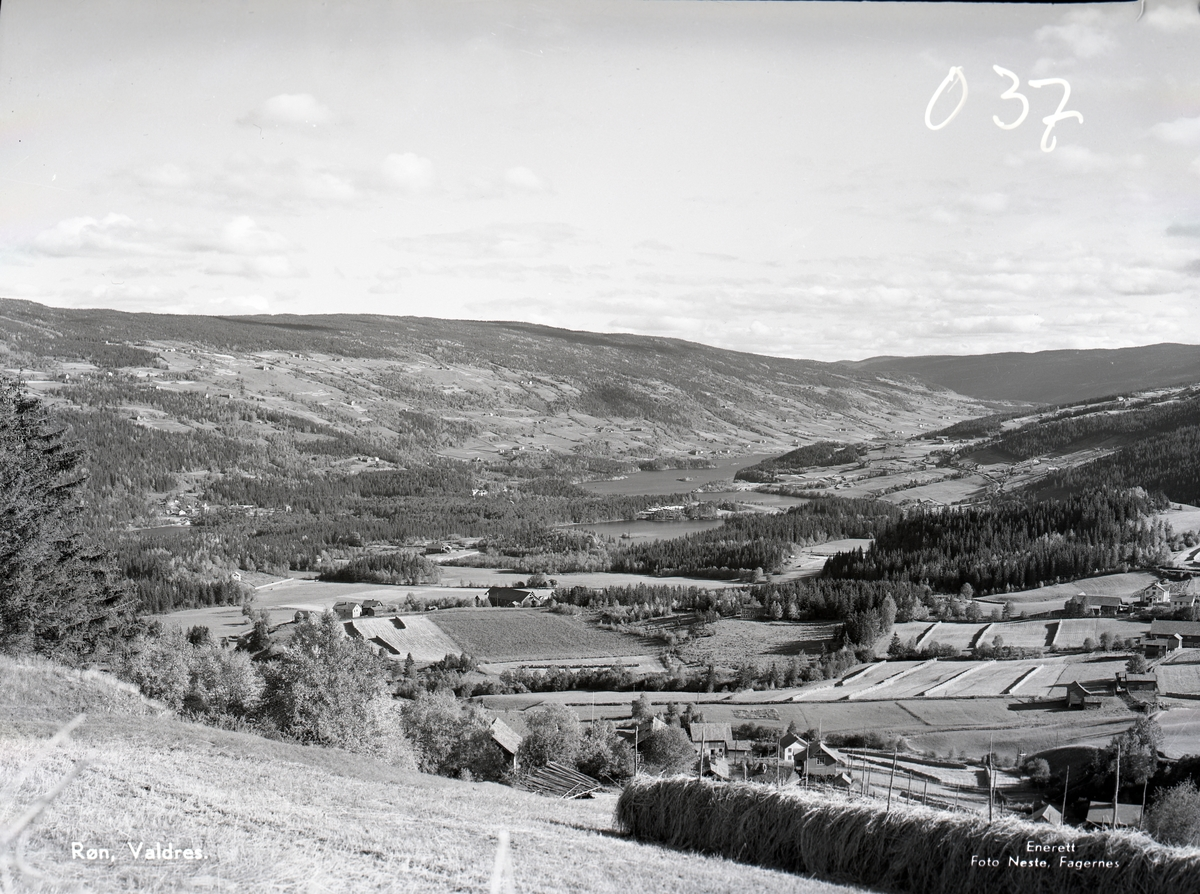 Prospektkort med utsikt over Røn, Vestre Slidre.