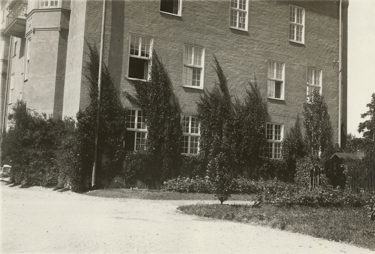 Byggnad på kaserngården vid Södermanlands regemente I 10.