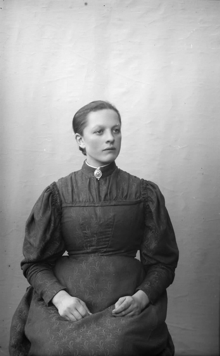 Portrett av Rønaug med etternavn antatt, Ilstad