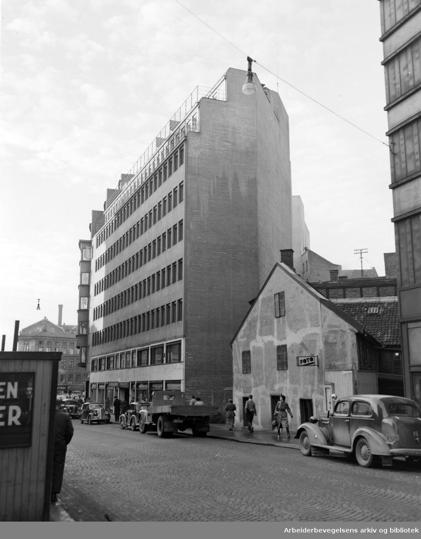 Viking Hotell, og omgivelser. 1952