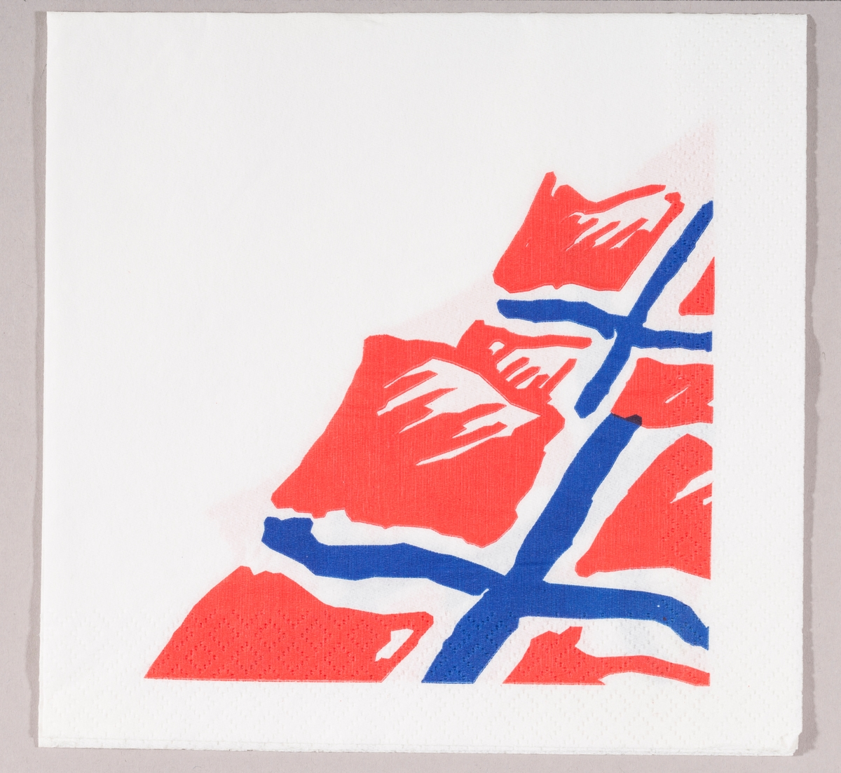 To norske flagg.