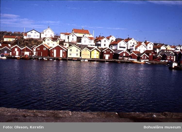 """Text på kortet: """"N. Grundsund. Skaftö sn. April 1987""""."""