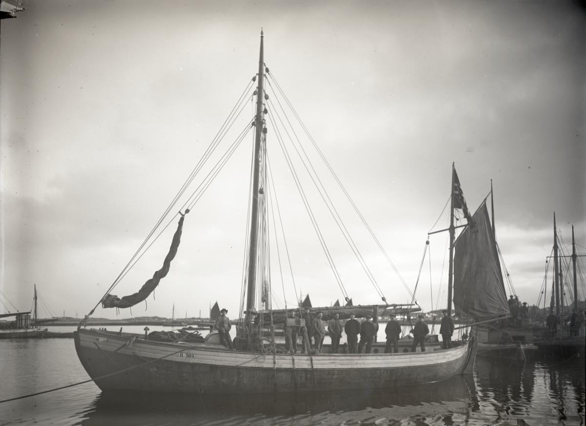 Fiskeskøyte Reg. R909