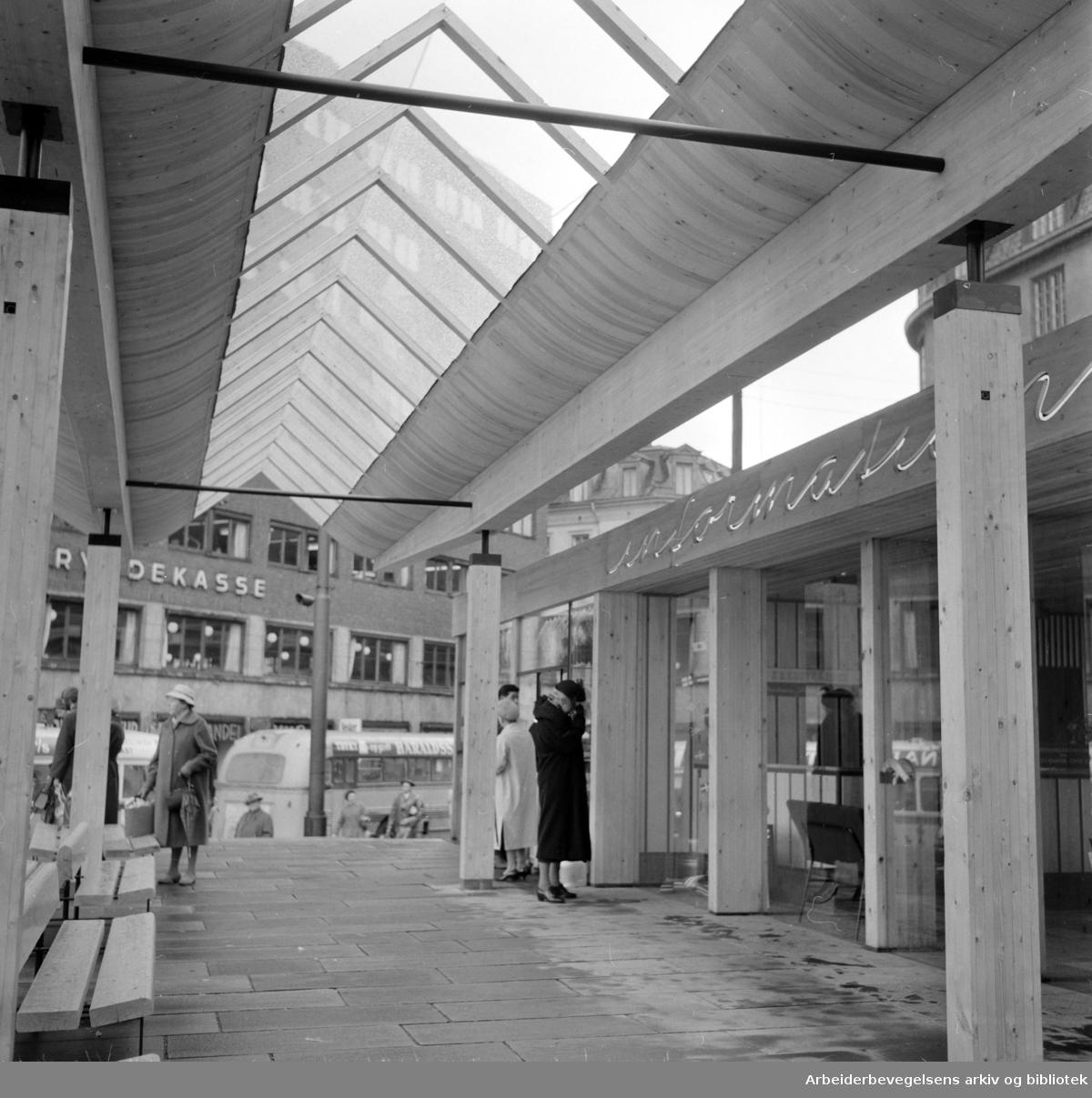 Reisetrafikkforeningens opplysnings paviljong. Mai 1959