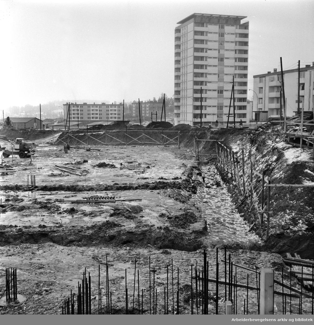 Mangleruds nye butikksenter ferdig neste år. Februar 1964