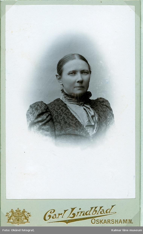 Beda Forsell, född Fagerlund. Född 1844 i Hedemora. Gift 1868 med veterinären John Forsell. Foto: Carl Lindblad, Oskarshamn.
