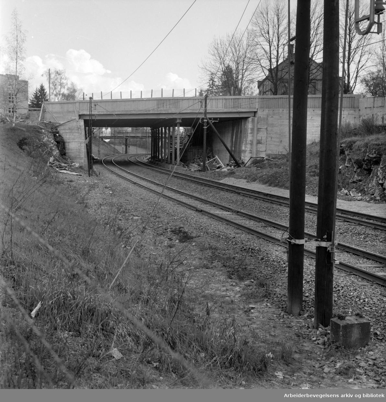 Bygdøy Allé. Bru over jernbanen. Mai 1959
