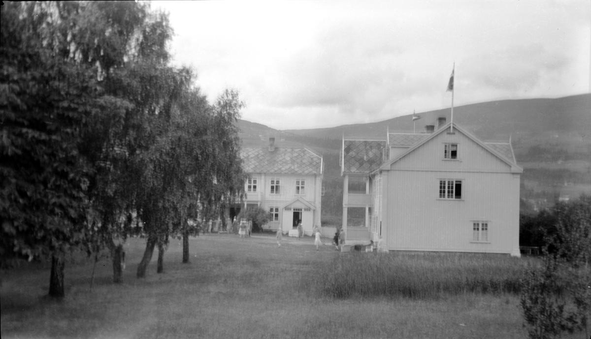To store bygninger