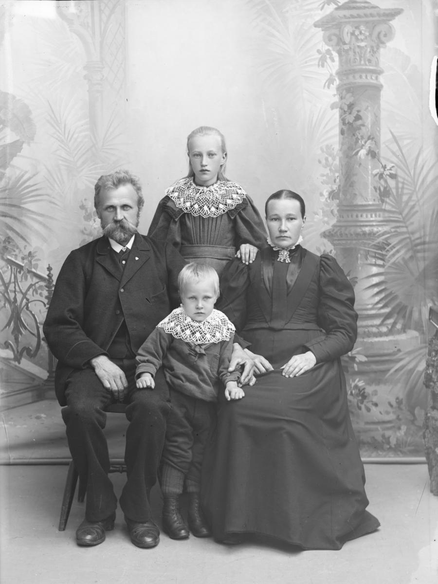 Nord-Fron, Baker Søren Pedersen med familie
