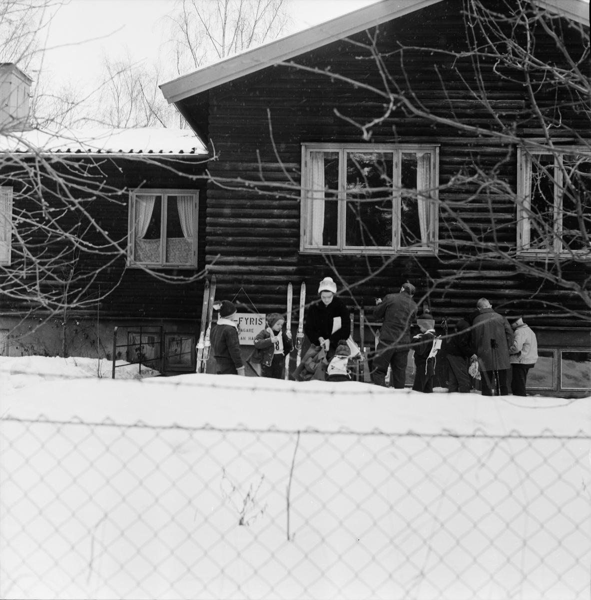 """Skidåkning - """"IK Fyris första Gunillasväng"""", Uppsala 1962"""
