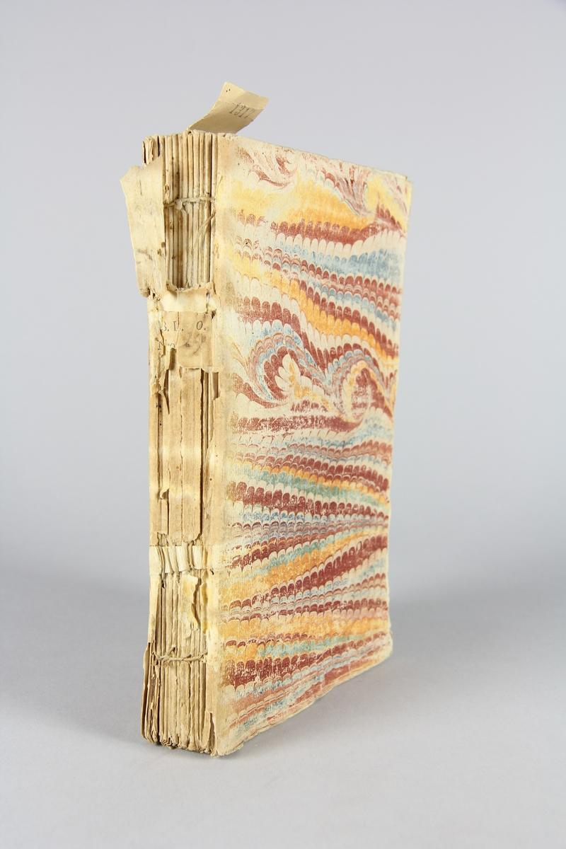 """Bok, häftad,""""Œuvres de theatre de Mr. de Boissy. Theatre françois"""", del 2. Pärmar av marmorerat papper, oskuret snitt. Skadad rygg med etiketter med titel och samlingsnummer."""
