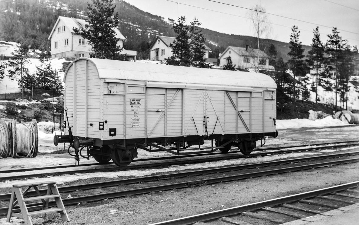 """Godsvogn litra G 4 nr. 41812. Vognen er merket: """"Prøvevogn. Returneres Stvgr. distrikt."""""""