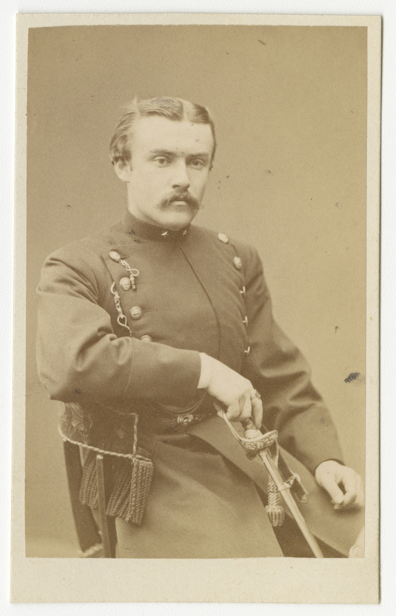 Porträtt av Sven Sigfrid Ahlberg, underlöjtnant vid Västgöta regemente I 6.