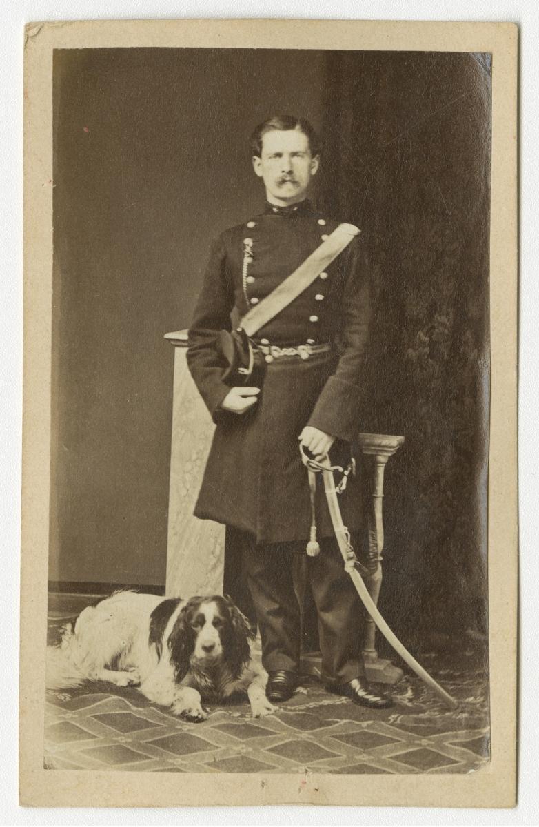 Porträtt av friherre Carl Gustaf Wilhelm von Knorring, underlöjtnant vid Göta artilleriregemente A 2.