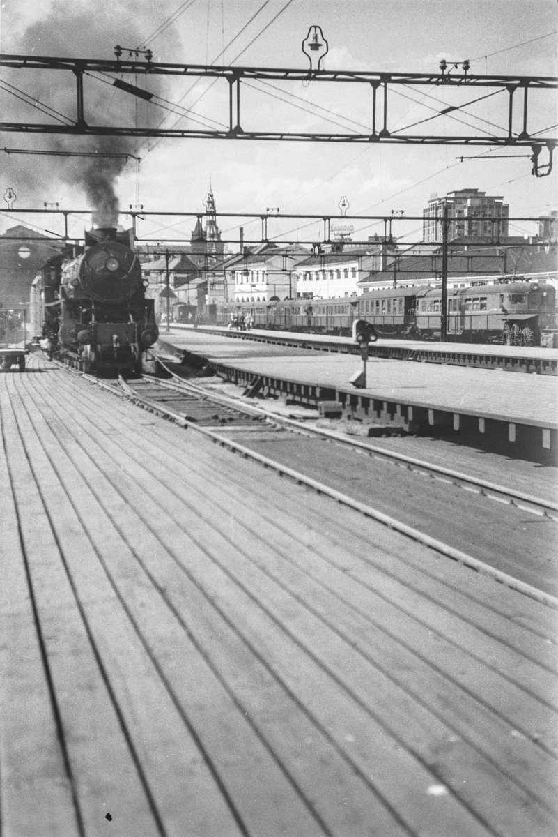 Damplokomotiv type 31b nr. 447 på Oslo Østbanestasjon.