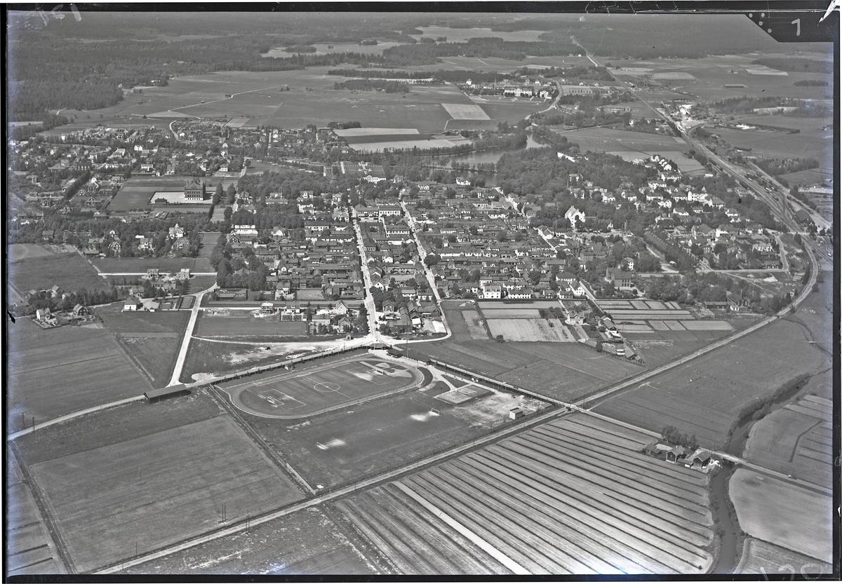 Flygfoto över Sala. Tagen av Ahrenbergsflyg.