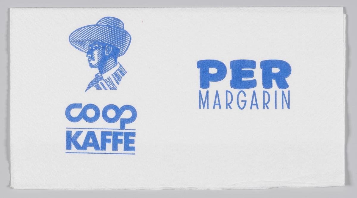 En mann med en bredbremmet hatt og en reklametekst for Obs!, Coop kaffe og Per margarin.  Samme reklame på MIA.00007-004-0217 til MIA.00007-004-0221.