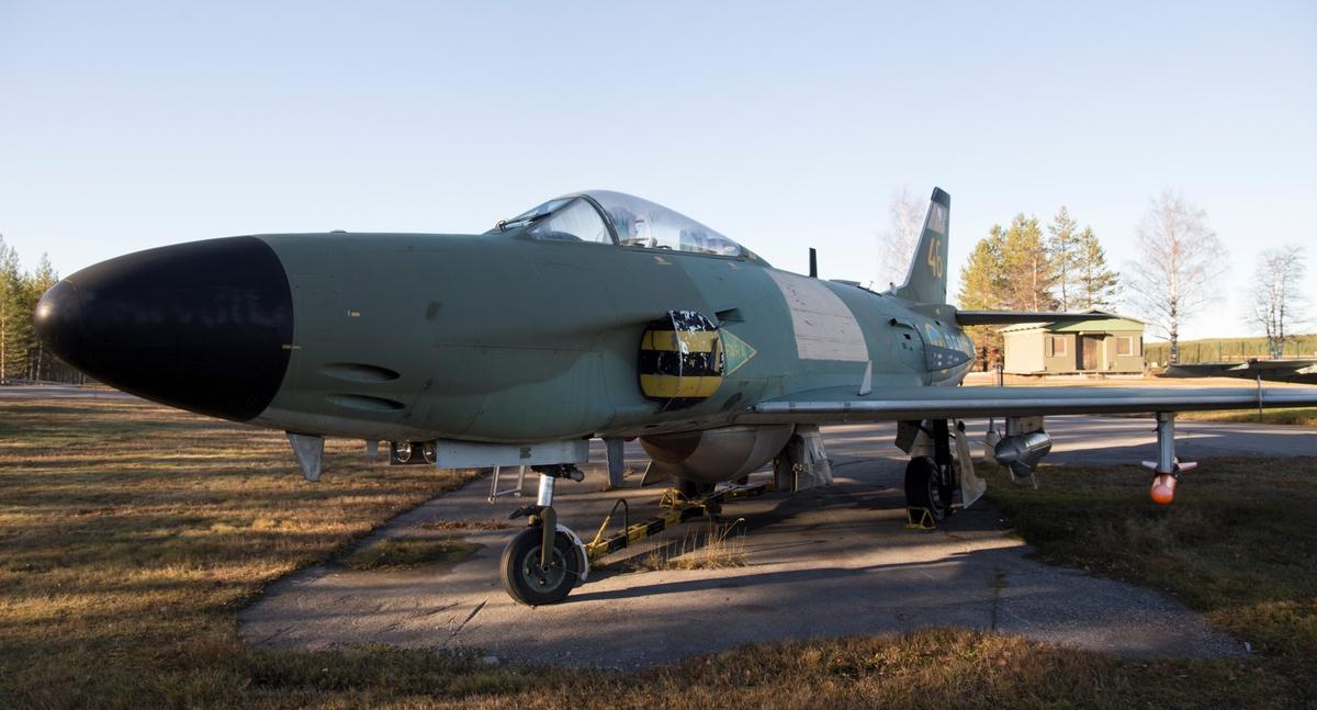 Fpl-nr: kod RFN-16. Flygplan J 32B Lansen.  Ett tvåsitsigt natt- och allvädersflygplan med RR Avon Mk 47 SFA/RM 6A flygmotor.   Beväpning:   4 x 30 mm akan raketer och 4 x Rb 24. PS-42 användes för avståndsmätning och flygplanet hade även Saab S6A IR-sikte.
