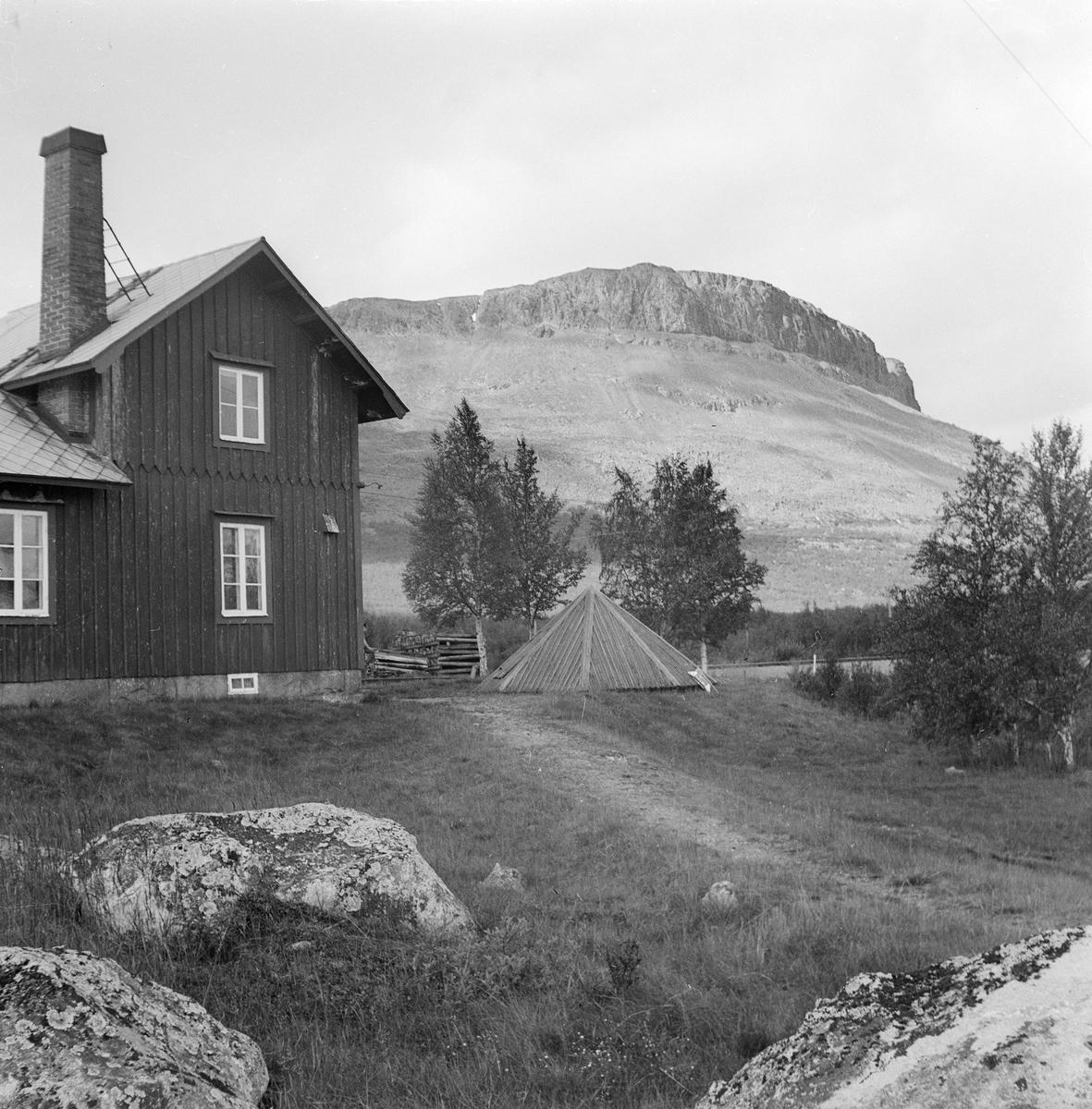 Pumphuset vid Kaisaniemi banvaktstuga 512, sedermera ombyggd till bostad.