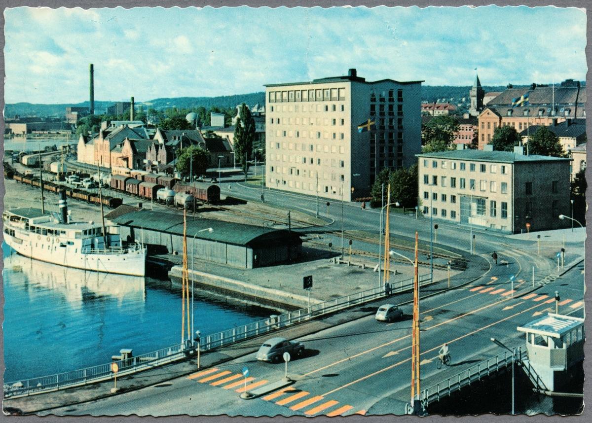 Slottsbron och järnvägsstation i Jönköping.