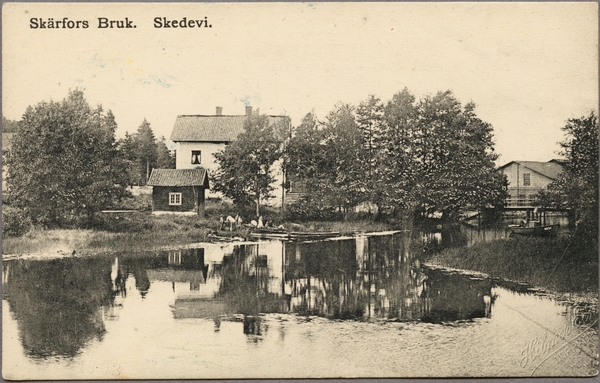 File:Drkt. Kvinna fram och bak. stergtland, Finspng