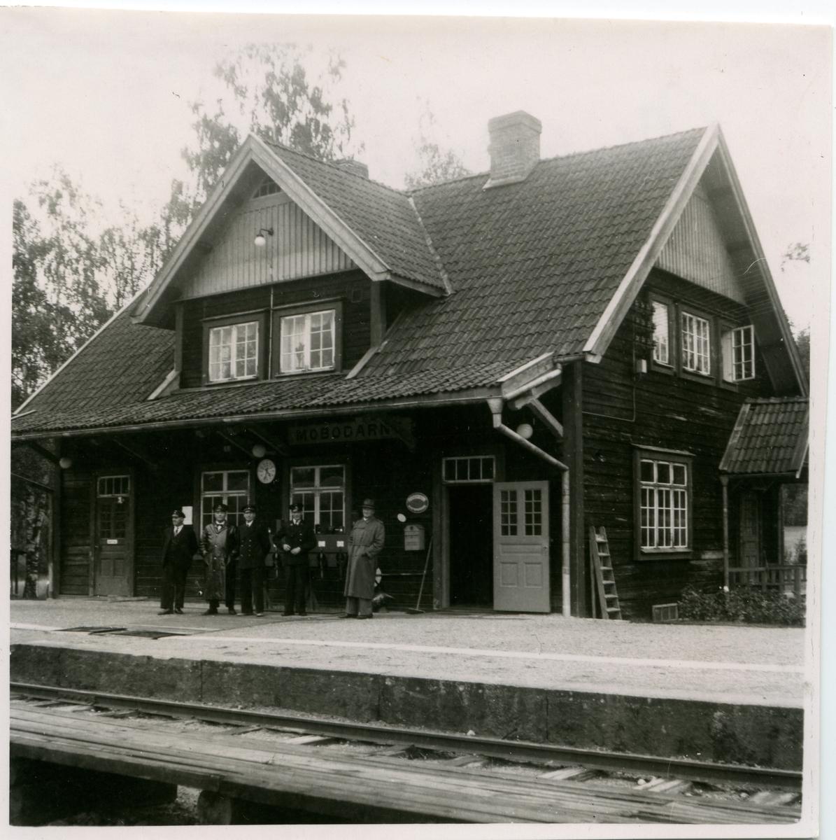 Trafikplatsen togs i bruk 1882-12-15.