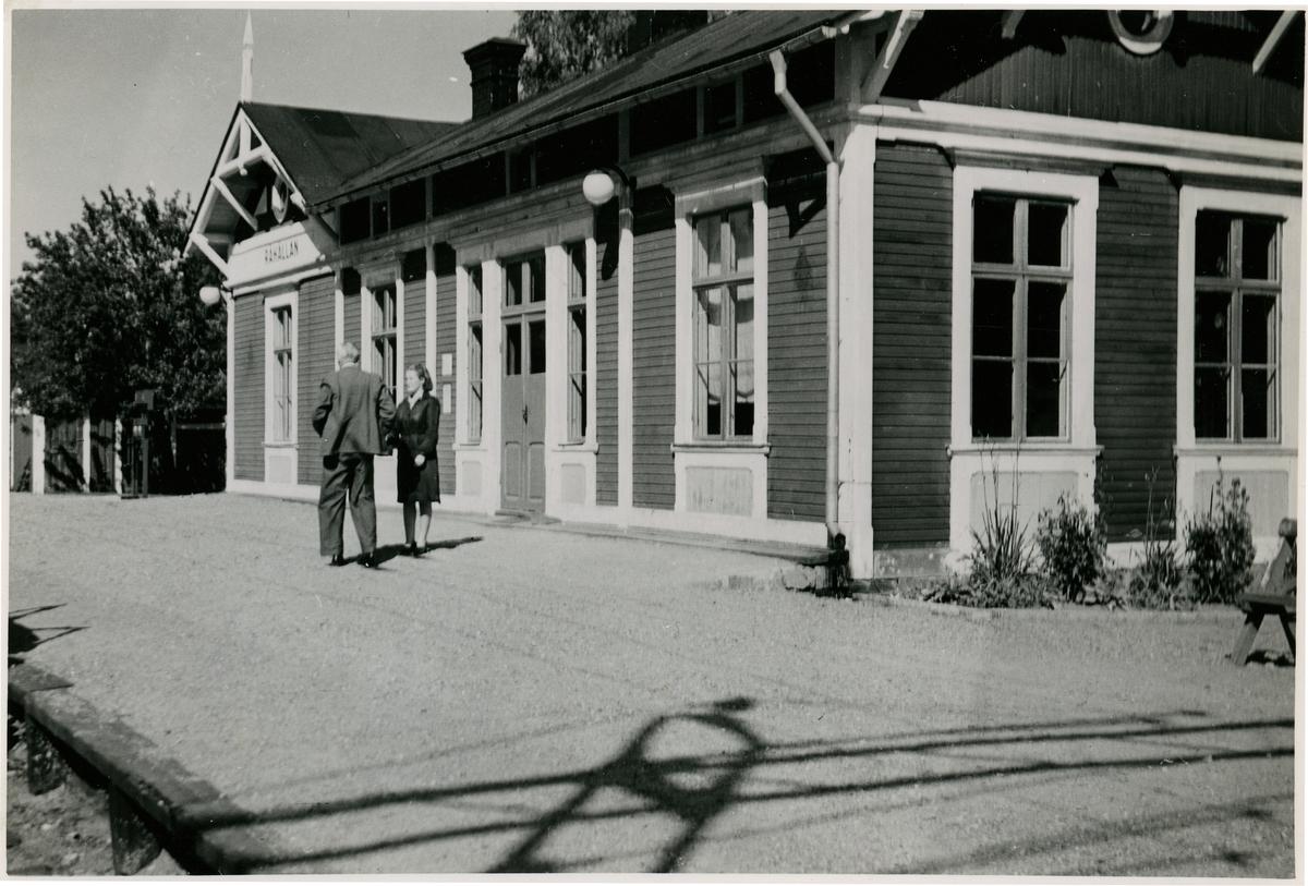 Råhällans station.